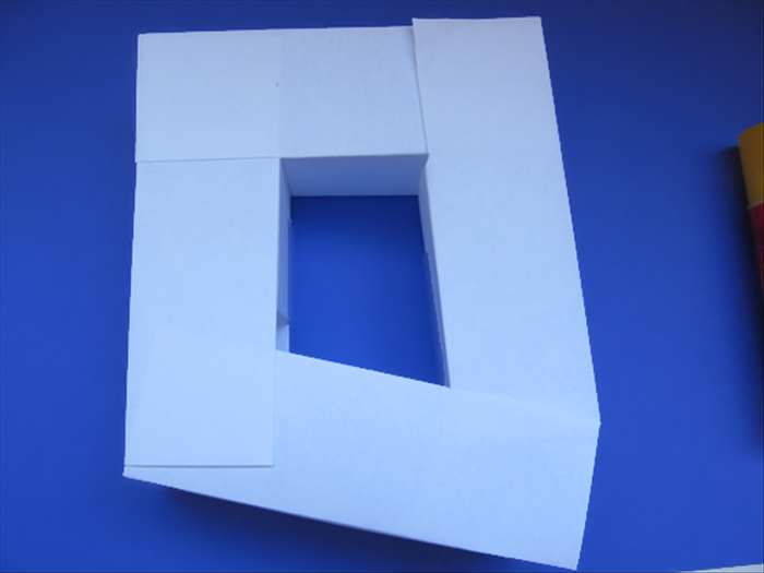 <p> Use 4 of the 3D rectangles to make a square.</p>   <p> &nbsp;</p>
