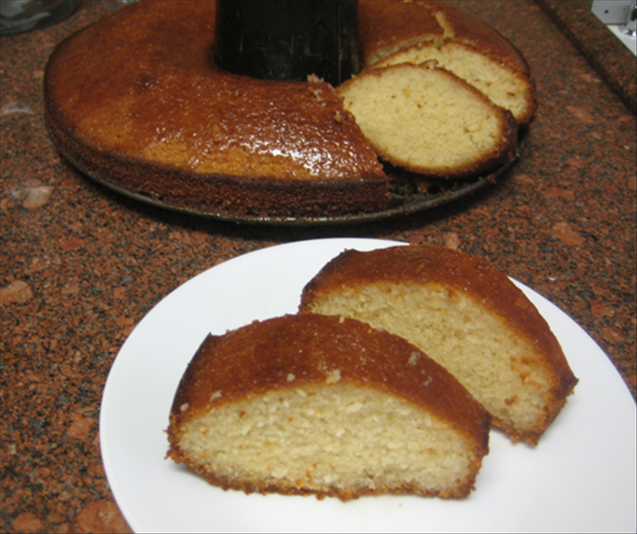 ... and your semolina coconut cake is ready